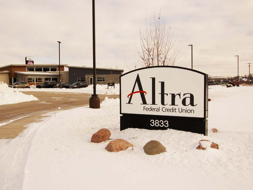 Altra - Monument Sign - Rochester, MN