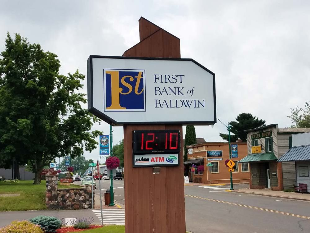 First Bank - Pylon Sign - Baldwin, WI