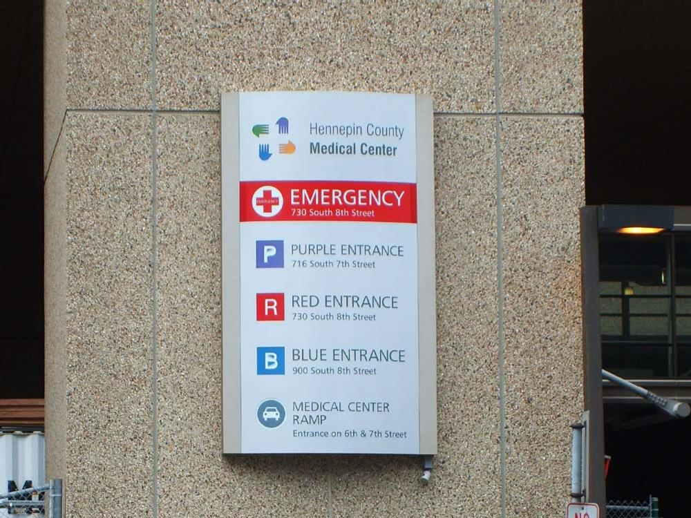 Hennepin Co. Hospital - Wayfinding Sign - Minneapolis, MN