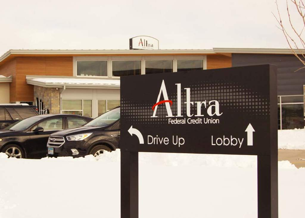 Altra - Wayfinding Sign - Rochester, MN